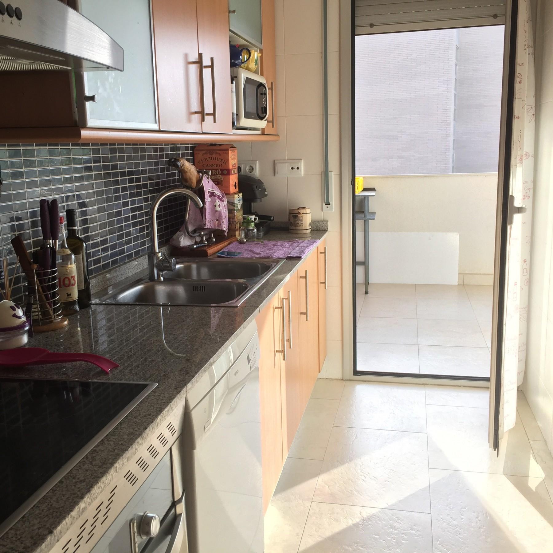 Apartamento CÉntrico Con Parking Piscina Y Padel: Precioso Apartamento 2 Hab