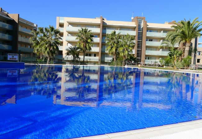 Apartment in Salou - Cómodo apartamento con dos terrazas y acceso directo a piscina