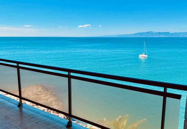 Apartment in Salou - Wonderful terrace with sea views