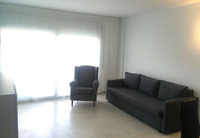 Апартаменты на Салоу / Salou - Apartamento 2 habitaciones con 2 terrazas en planta baja